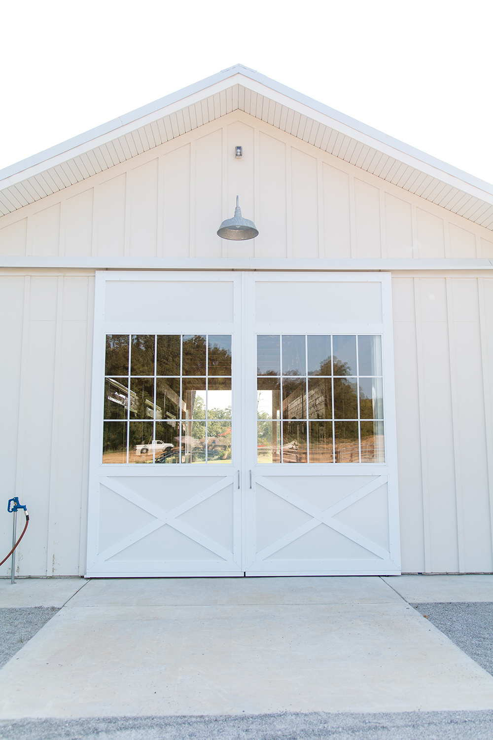 Tour A White 4 Stall Barn With Modern Design Stable Style